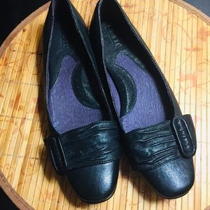 Born black leather flats with buckle  size 7.5